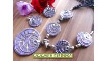 Rezin Shells Coco Triangle Necklaces Sets
