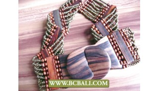 Green Belt Beaded Stretch with Wooden Buckle