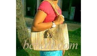 Leadies Handbags Straw